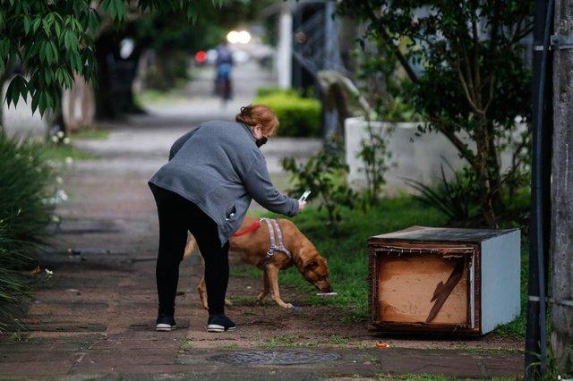 PORTO ALEGRE, RS, BRASIL - 2021.09.08 - Especie de jazigo na esquina da rua rodolfo gomes com mucio teixeira. (Foto: ANDRÉ ÁVILA/ Agência RBS)<!-- NICAID(14884649) -->