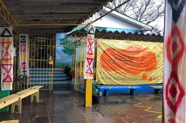 """A Escola Municipal de Ensino Fundamental (EMEF) Saint Hilaire, no bairro Lomba do Pinheiro, na Capital, promove de 31 de agosto a 3 de setembro a Feira Literária Saint-Hilaire, a FLISH 2021.A temática da feira este ano é inspirada em uma frase dita pelo autor baiano Ademario Ribeiro, 62 anos: """"A literatura indígena é uma flecha que voa em várias direções"""".  <!-- NICAID(14872573) -->"""