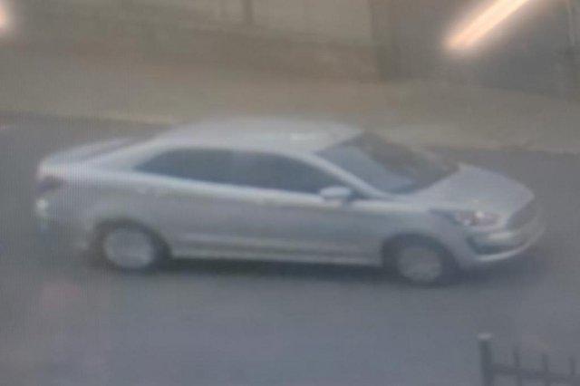 Polícia divulga imagem de carro usado por criminosos que mataram homem dentro de carro no bairro Higienópolis <!-- NICAID(14754974) -->