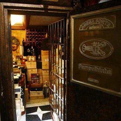 Restaurante de Porto Alegre guarda vinhos nobres em cofre