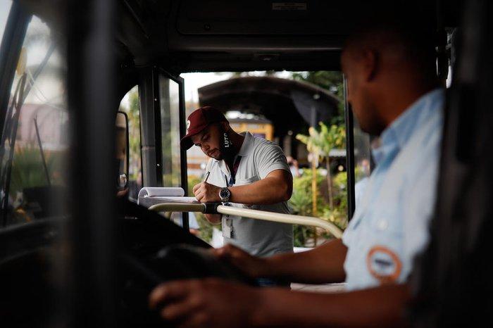 Motivo da greve é o conjunto de projetos na Câmara Municipal envolvendo a venda da empresa e a retirada gradual de cobradores de ônibus