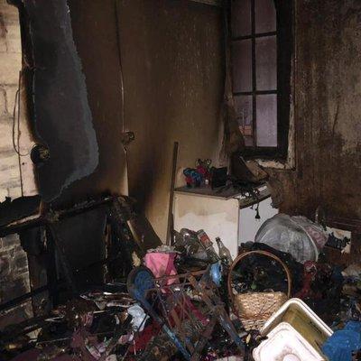 Mulher fica ferida após incêndio em pensão no bairro Floresta, em Porto Alegre