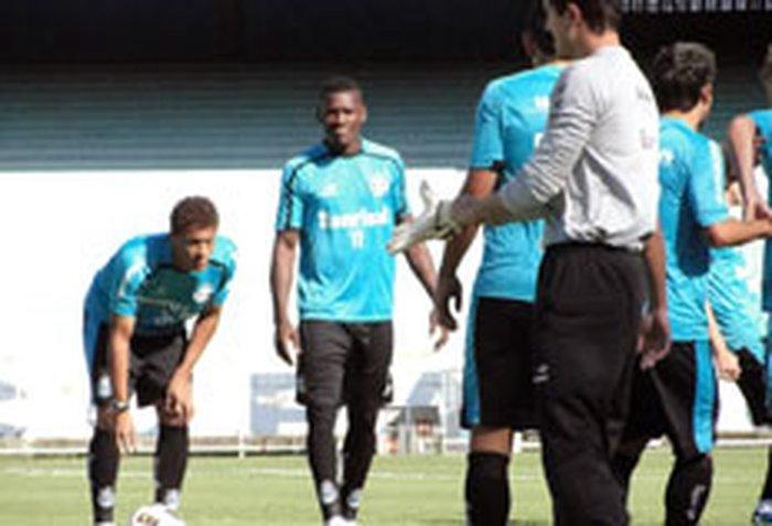 Paulão fez seu último treino pelo Grêmio nesta quartaTatiana Lopes   null 90cfb261f34b0