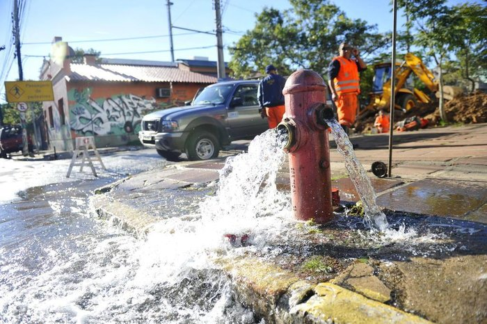 Resultado de imagem para desperdicio de agua