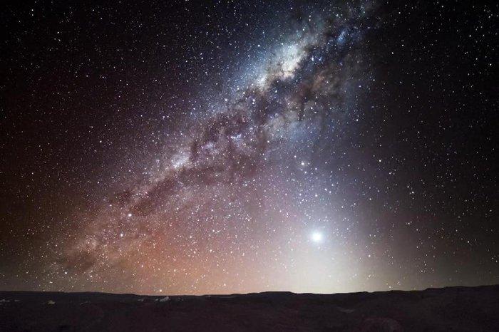 """VÍDEO: a Via-Láctea vista do Atacama, o céu """"mais escuro e nítido da Terra""""    GaúchaZH"""