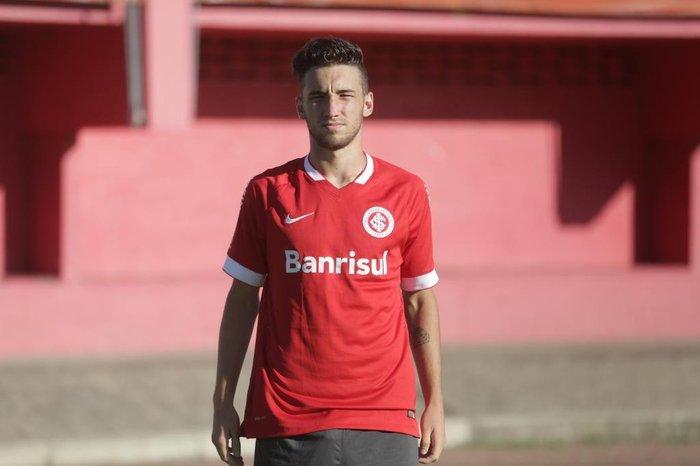 d580a6510209b Leonardo Oliveira  destaque do Inter na Copa SP é filho de Ortiz ...