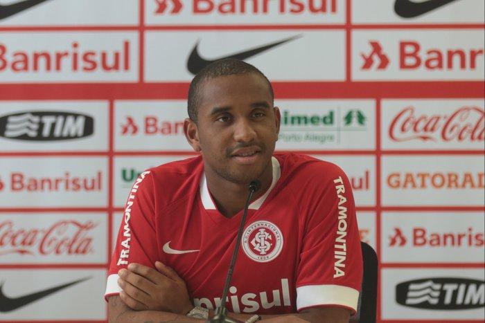 333bf4152c3d5 Anderson é apresentado no Inter