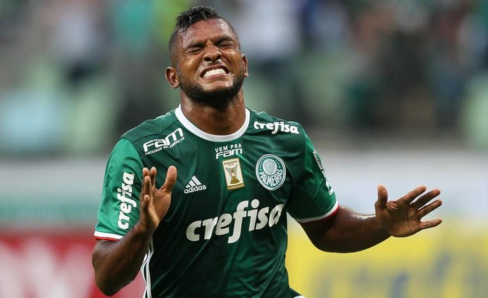 75ae5f5fa1 Roger lamenta ausência de Borja e não garante retorno do jogador ...