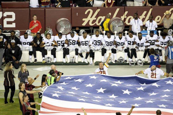 da146e8806 Por que os jogadores da NFL se uniram contra Donald Trump