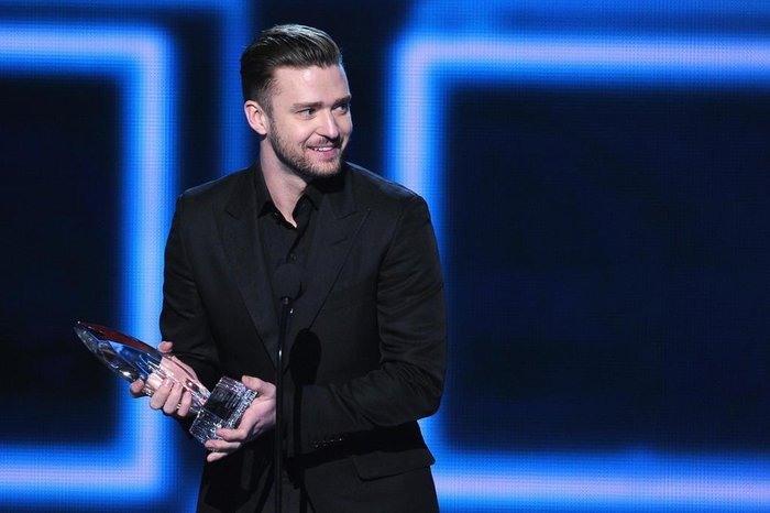 The 40th Annual Peoples Choice Awards - Show  LOS ANGELES, CA - JANUARY 08: Singer-actor Justin Timberlake accepts the Favorite Album award for The 20/20 Experience onstage at The 40th Annual Peoples Choice Awards at Nokia Theatre L.A. Live on January 8, 2014 in Los Angeles, California.   Kevin Winter/Getty Images/AFP  Editoria: ACE Local: Los Angeles Indexador: KEVIN WINTER Fonte: GETTY IMAGES NORTH AMERICA Fotógrafo: STF