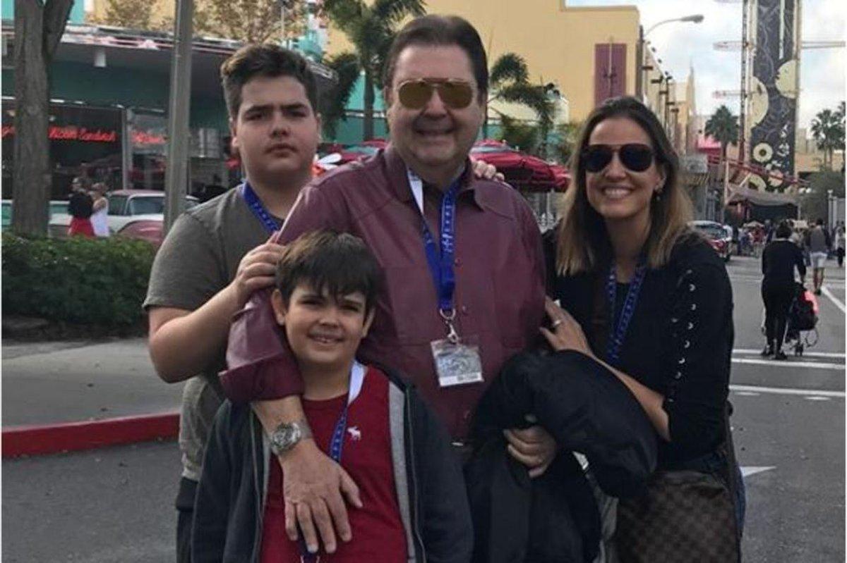 Faustão e a família em Viagem pela Disney em fevereiro deste ano