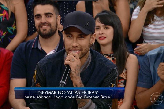 49a0b24b94 Neymar revela faltar um mês para se recuperar de lesão no pé direito ...