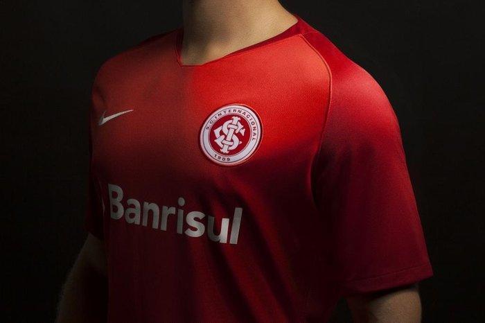 Inter divulga nova camisa para a temporada 2018  5ee3640f4aea8