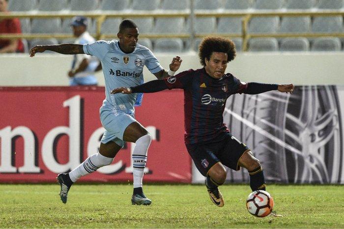 Meia-atacante Maicosuel pode ganhar sequência como titular antes da parada  da Copa f02e830d26e0a