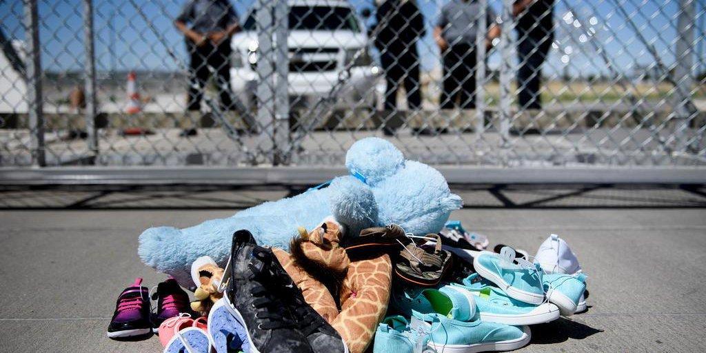 """EUA mantêm """"campos de concentração"""" para jovens imigrantes na fronteira    GZH"""
