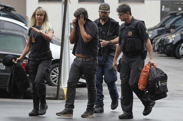 Resultado de imagem para CEO da GE e executivo da Philips são presos pela Lava Jato do Rio
