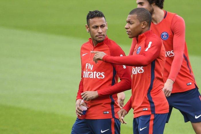 Mbappé afirma que Neymar está