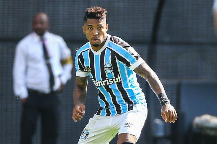 Marinho sofre lesão e fica fora do jogo do Grêmio contra o ... 5a963ad0d800a