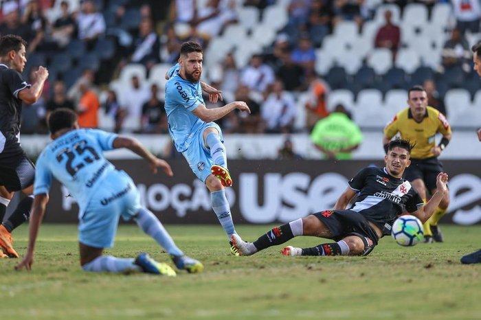 Com Marcelo Oliveira e sem Maicon e Arthur e3304c2aad575