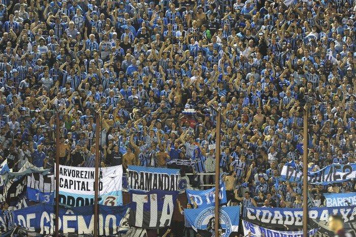 Procura cresce e Grêmio poderá ter 1 8dedce31f10af