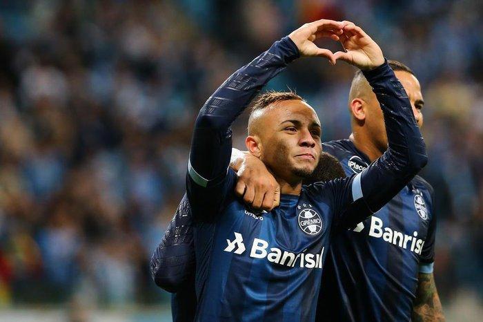 Renato critica calendário e esconde time do Grêmio para decisão ... 9c5ff7f923c1d