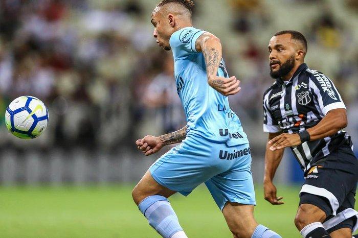 Grêmio recebe Ceará às 11h com chance de voltar ao G-4  33527d966928c