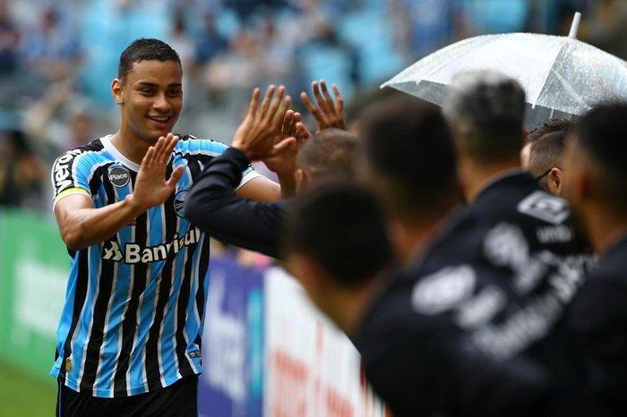 Grêmio vai agendar reunião nos próximos dias para comprar Thonny ... bf6045ec32593