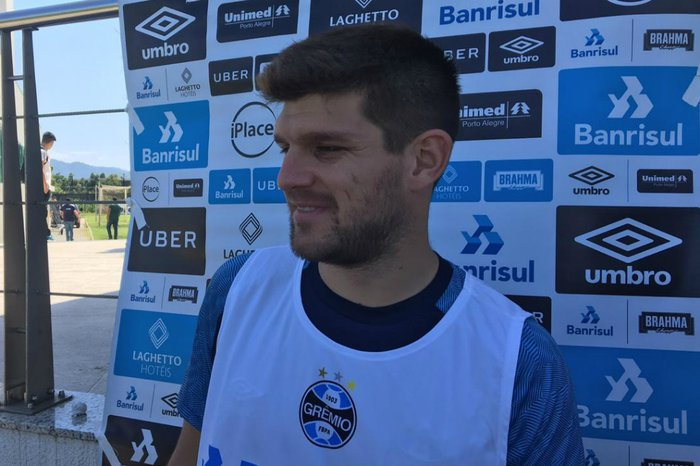 Kannemann fala da expectativa do grupo sobre futuro de Renato ... cf81d60ec9633