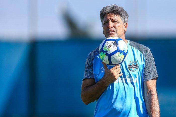 O pacote de reforços que o Grêmio poderá entregar a Renato no início ... 3342cb621f6c1