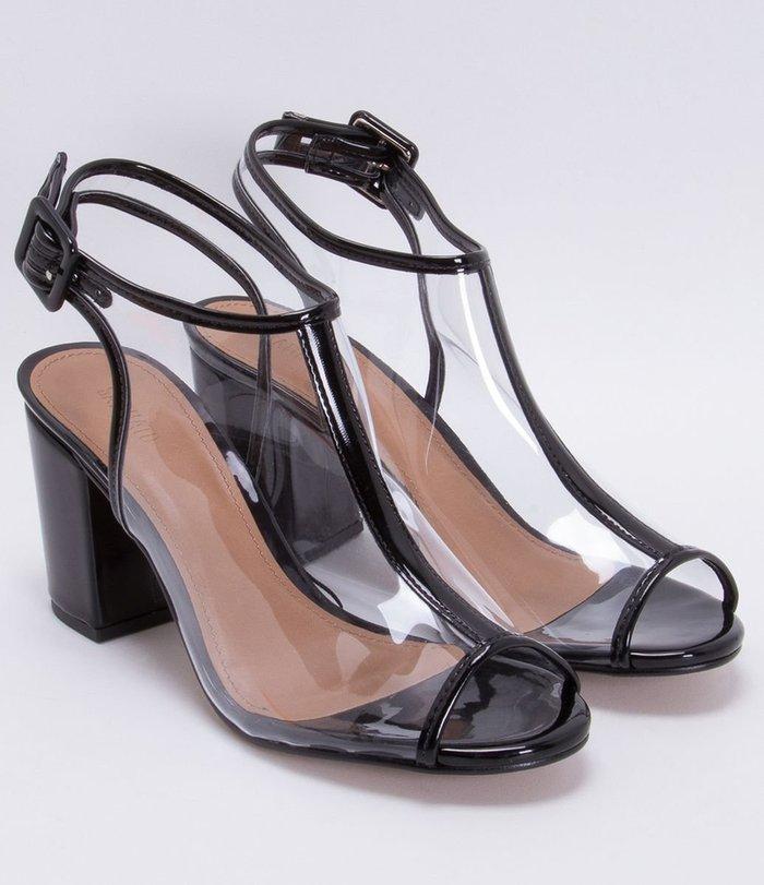 d6a8dc7f5 Alerta tendência: cinco modelos de sapato de vinil transparente que ...
