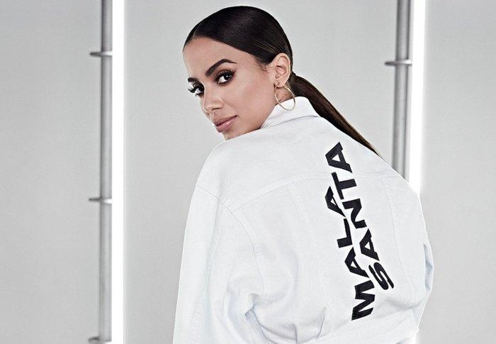 4af352e26463 Anitta lança coleção de roupas inspirada no street style! Veja as ...