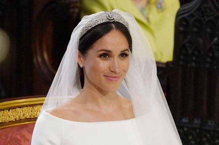 8932c89b9 A reação de Meghan Markle ao ver seu vestido de noiva pela primeira ...