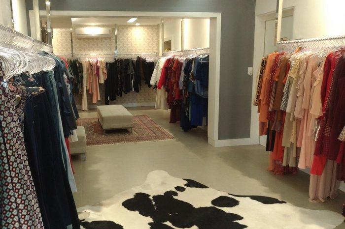 O melhor da moda perto de casa  veja cinco achados da Zona Sul  dd414bc039924
