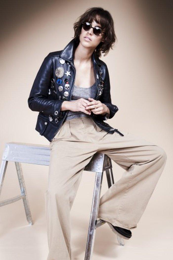 aa6841646 A tendência hoje deriva muito da fixação da moda com o final dos anos 1960  e início dos anos 1970