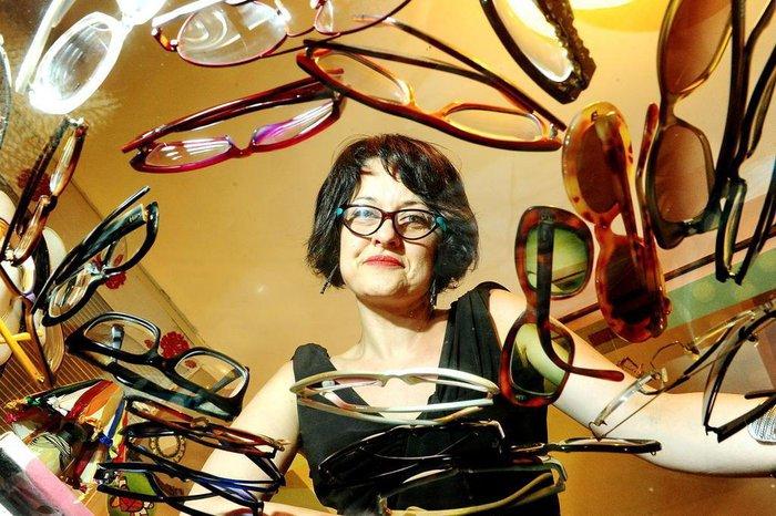 184f7248ce3c2 A publicitária Simone Rodrigues apresenta sua coleção de óculos de grau