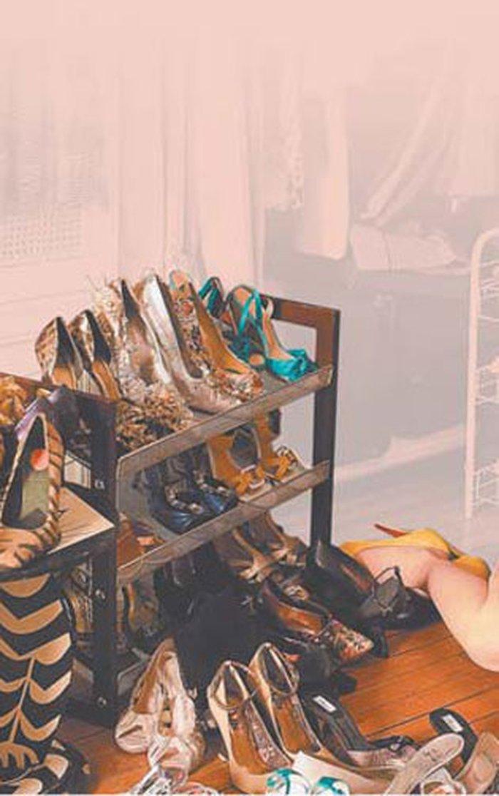 7e8d4b8097 O fascínio das mulheres pelos sapatos