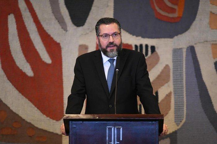 Resultado de imagem para Brasil ainda estuda se transferirá embaixada em Israel para Jerusalém, diz Araújo