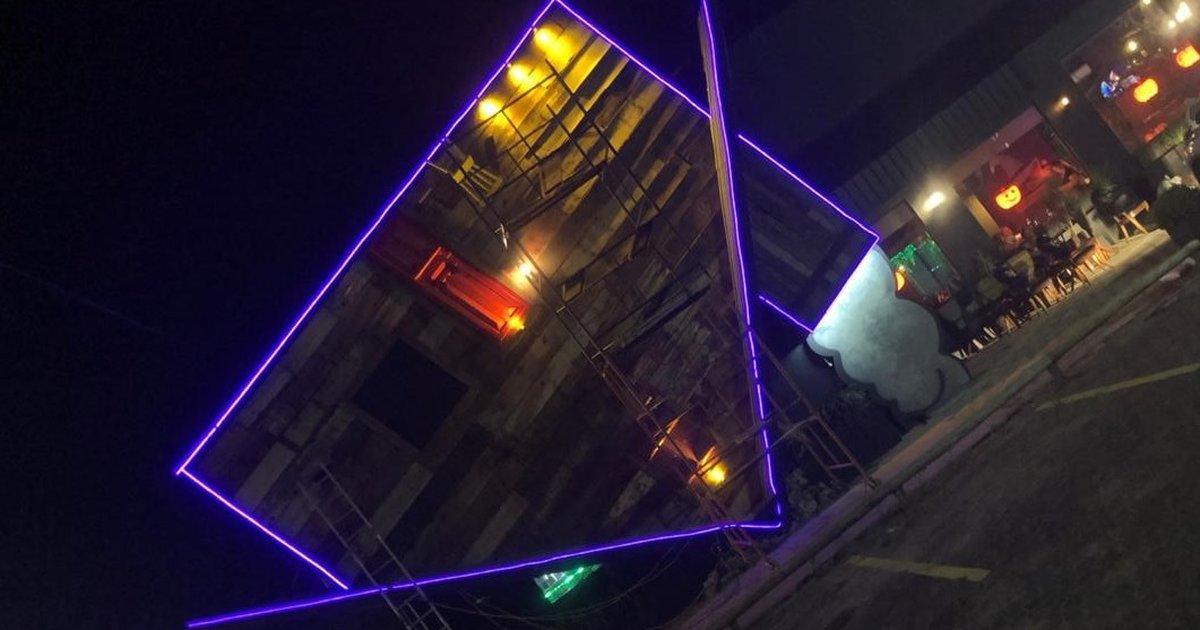 Porto Alegre ganha pizzaria que é uma casa de bruxa de ponta-cabeça  veja  imagens  47ae9e66e98