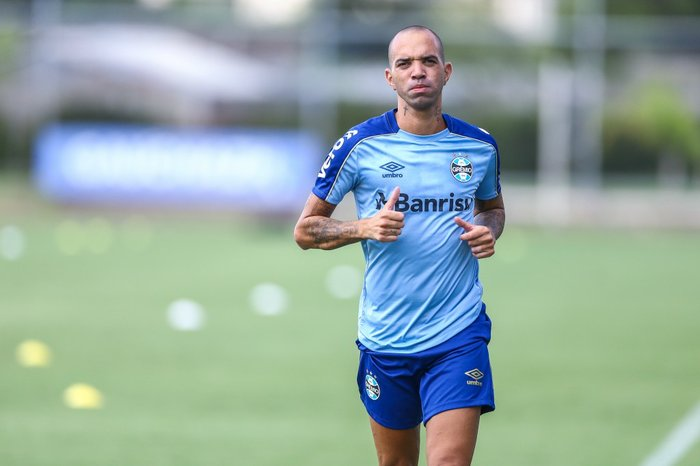 9bfb41c0c7018 Gustavo Fogaça  time do Grêmio é Tardelli e mais 10