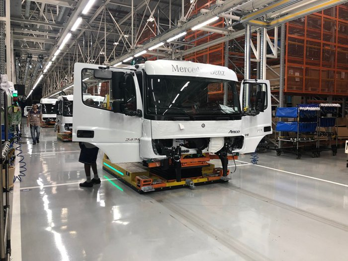 b41b690dc Linha de cabines 4.0, Mercedes-Benz avança na engenharia digital ...