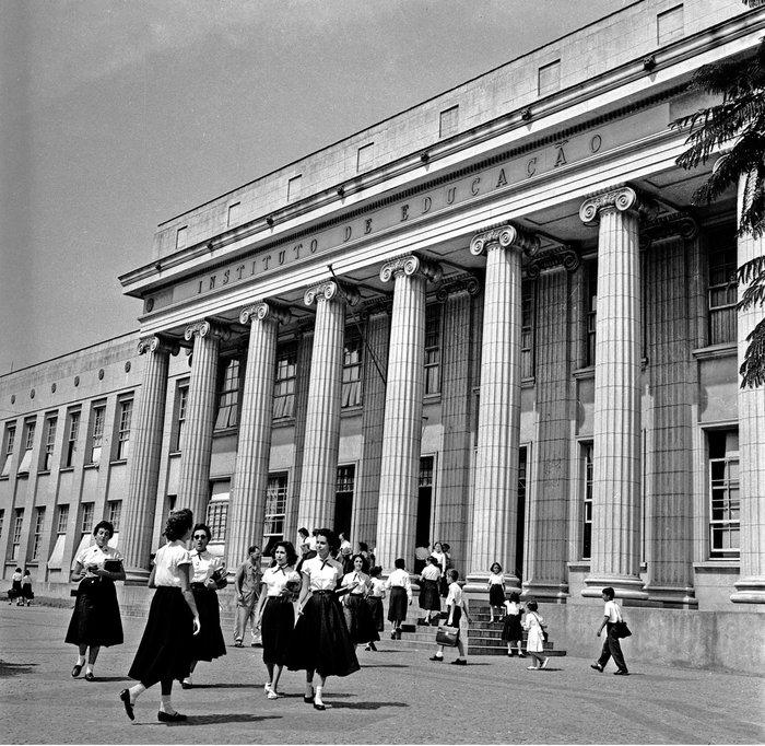 Instituto De Educação Criado Em Porto Alegre No Século 19