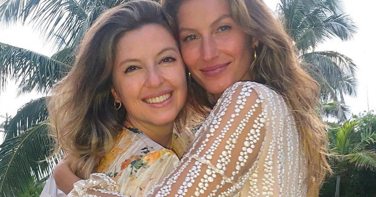 """Gisele Bündchen posta rara foto com a irmã gêmea: """"Minha outra metade""""    Donna"""
