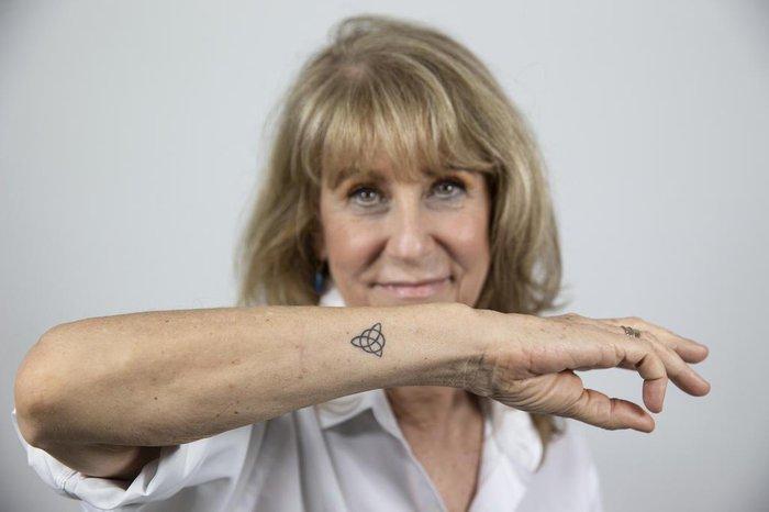 Aos 62 Anos Mãe Fez Primeira Tatuagem Igual à Dos Filhos