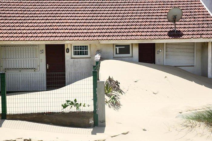 Com a licença ambiental suspensa pela Fepam desde outubro de 2019, por descumprir ações previstas no Plano de Manejo das Dunas, a prefeitura de Palmares está impedida de executar a retirada da areia fina