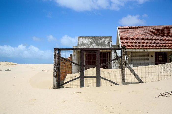 A extensão frontal do Balneário Quintão, de sete quilômetros de orla, é toda com dunas
