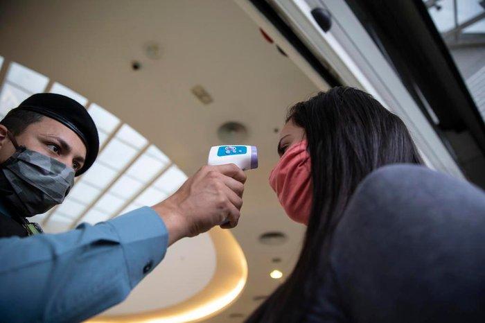 Nesta terça-feira, Canoas Shopping monitorava a temperatura de clientes, lojistas e funcionários