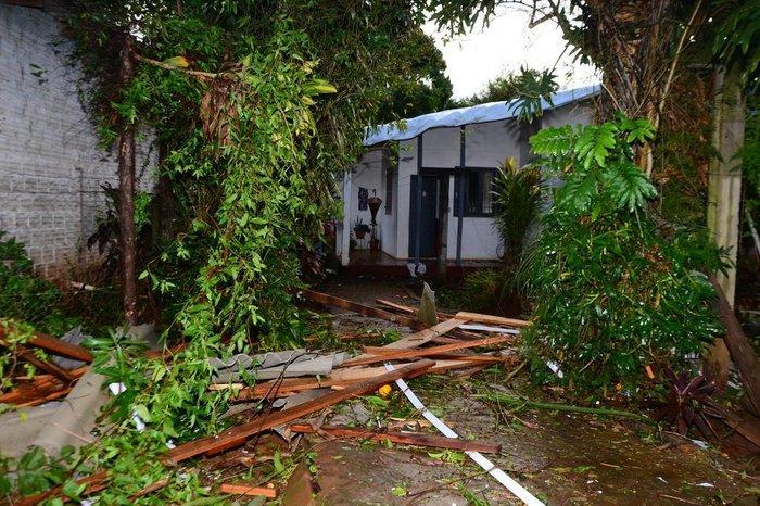 No norte do Estado, casas foram destelhadas