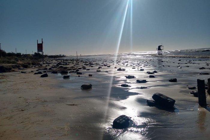 Imagem desta sexta-feira (3), feita por moradora da praia