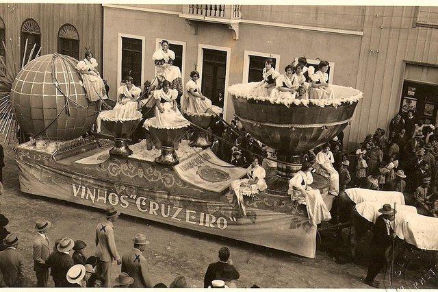 *** Vinhos Cruzeiro-RRigon ***Vinhos Cruzeiro. Vinícola Luiz Michielon participa do corso da Festa da Uva de 1932. Publicada na Seção Memória de 18 dezembro de 2007. Fonte: Divulgação Fotógrafo: Geremia<!-- NICAID(68745) -->