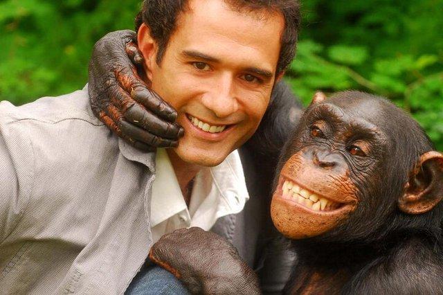 Marcos Pasquim e o macaco de Caras e Bocas.<!-- NICAID(2734306) -->